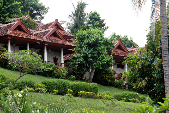 Experience Local Culture at Puri Bunga Beach Cottages Lombok
